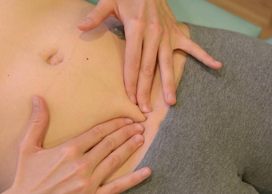 Masajea la cicatriz de la cesárea