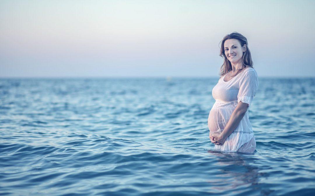Las ventajas de ir a la playa durante el embarazo